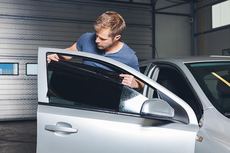 Instalacion lamina solar en coche