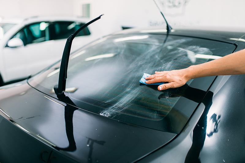 Instalacion lamina solar en coche 4