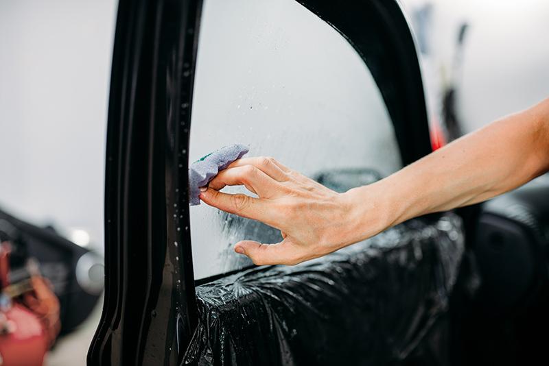 Instalacion lamina solar en coche 5