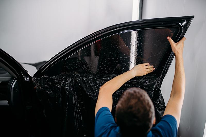 Instalacion lamina solar en coche 6