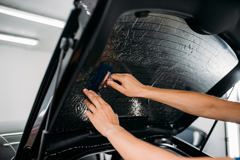 Instalacion lamina solar en coche 8
